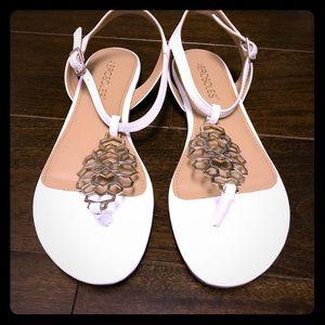 Aerosole White Gold Short Stack Flat Sandal
